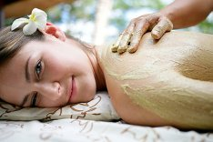 A seaweed scrub offers many benefits for skin!  Find homemade skin care tips and DIY recipes!