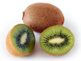 Kiwi is a powerhouse of nutrition!  It has benefits of vitamin C!  Discover homemade beauty tips with kiwi!