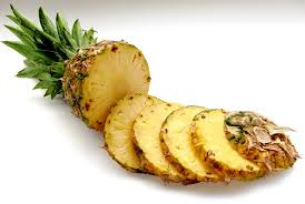 Discover health benefits of pineapple for the body and skin!