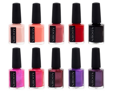 Is your nail polish toxic?  Discover how to choose the best nail polish!  Find nail care tips for pretty nails!